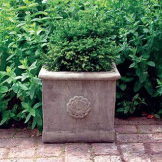 Amiska Vase Version B Garden Ornament
